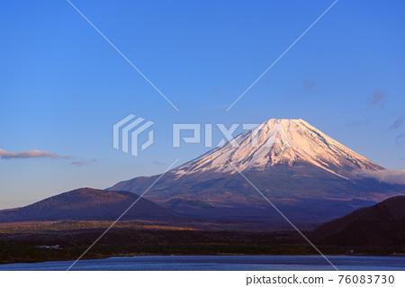 富士山 寒冬 冬天 76083730