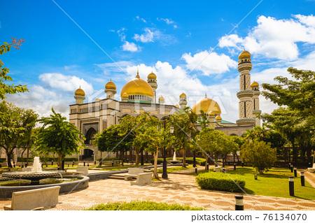 Jame Asr Hassanil Bolkiah Mosque in Bandar Seri Begawan, brunei 76134070