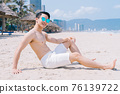 Man, sea, summer 76139722