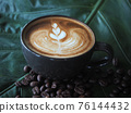 coffee cup latte art 76144432