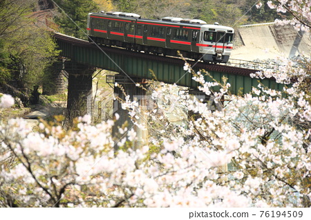 Spring Takayama Main Line 76194509