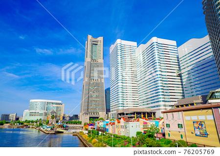 Yokohama Minato Mirai Cityscape 76205769