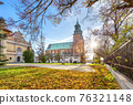 Autumn in Gniezno, Poland. View of Cathedral Basilica 76321148