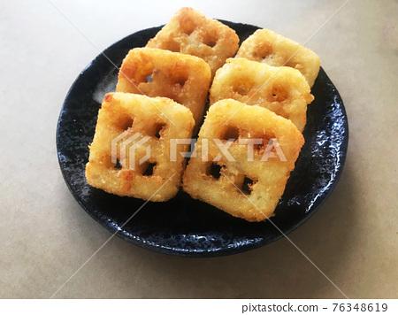 格子薯餅 76348619