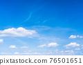 봄의 푸른 하늘 76501651