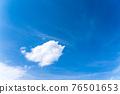 봄의 푸른 하늘 76501653