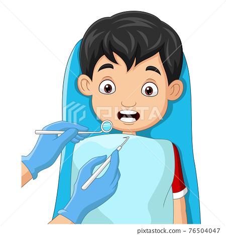 Cartoon little boy teeth checked by dentist 76504047