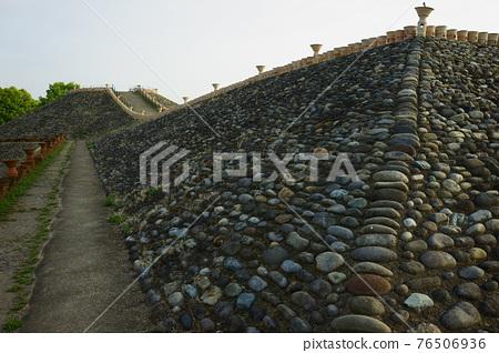 barrow, ancient tomb, historic ruin 76506936