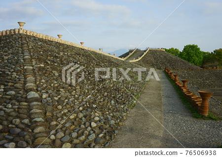 barrow, ancient tomb, historic ruin 76506938