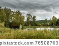Lonely hut in idyllic landscape on Nussbaumer See in the canton of Thurgau in Switzerland. 76508703