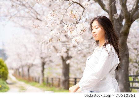 櫻桃女人肖像 76510561