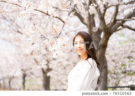 櫻桃女人肖像 76510562