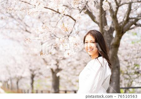櫻桃女人肖像 76510563
