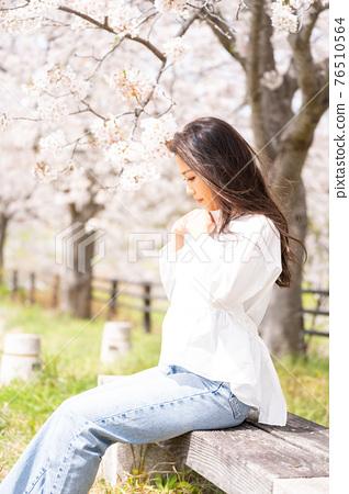 櫻桃女人肖像 76510564