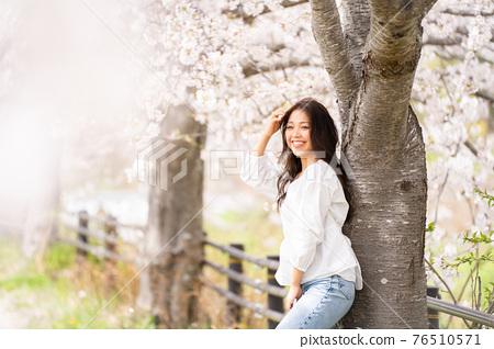 櫻桃女人肖像 76510571