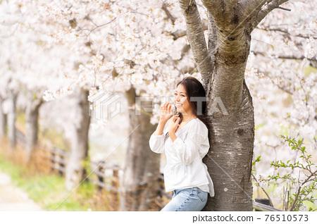 櫻桃女人肖像 76510573