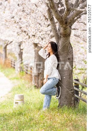 櫻桃女人肖像 76510577