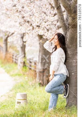 櫻桃女人肖像 76510578