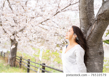 櫻桃女人肖像 76510579