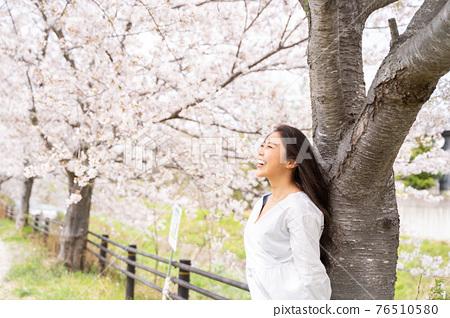 櫻桃女人肖像 76510580