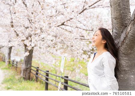 櫻桃女人肖像 76510581