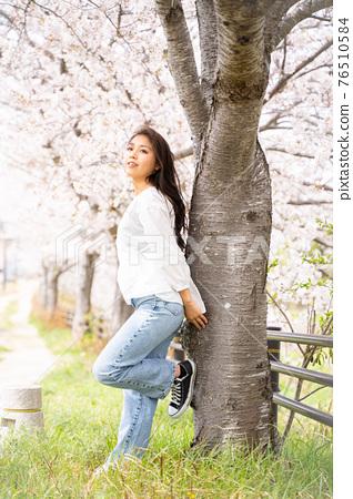 櫻桃女人肖像 76510584
