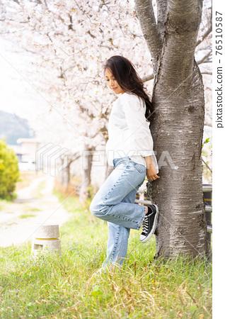櫻桃女人肖像 76510587