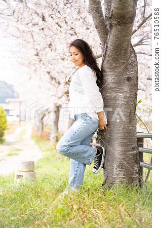 櫻桃女人肖像 76510588