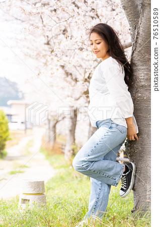 櫻桃女人肖像 76510589