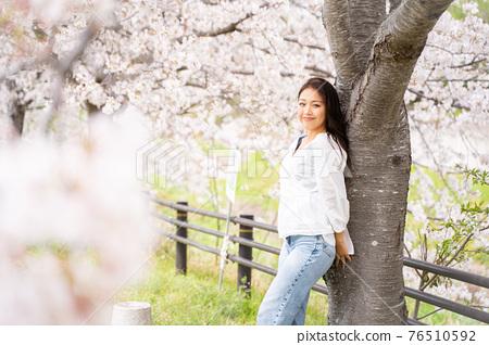 櫻桃女人肖像 76510592
