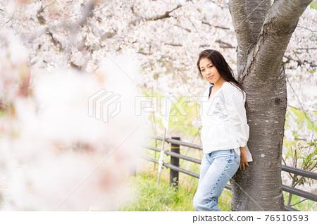 櫻桃女人肖像 76510593