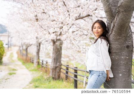 櫻桃女人肖像 76510594