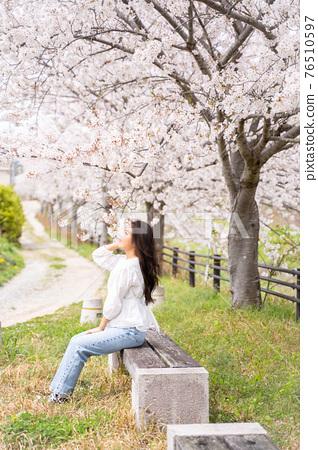 櫻桃女人肖像 76510597