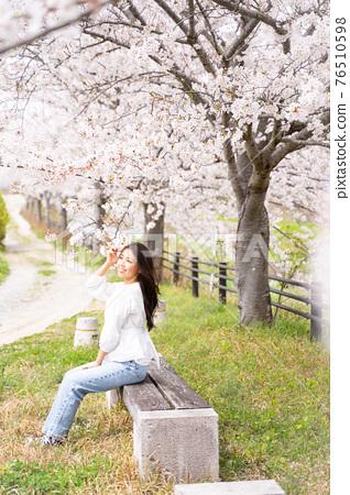 櫻桃女人肖像 76510598