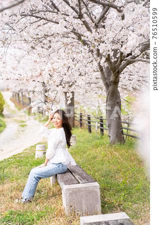 櫻桃女人肖像 76510599