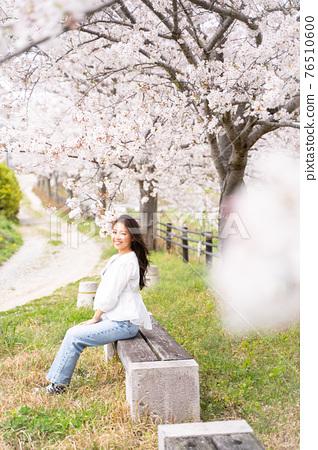 櫻桃女人肖像 76510600