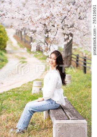 櫻桃女人肖像 76510601