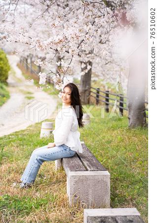 櫻桃女人肖像 76510602