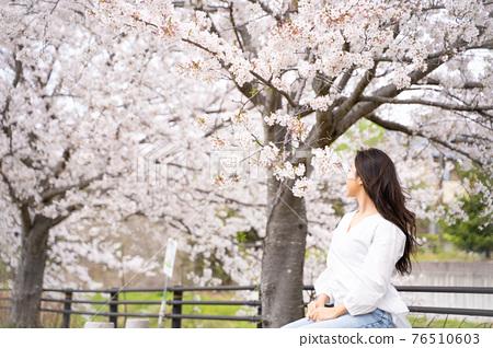 櫻桃女人肖像 76510603
