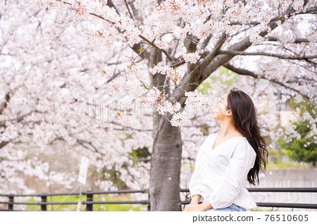 櫻桃女人肖像 76510605