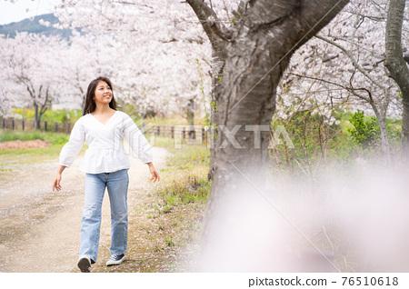 櫻桃女人肖像 76510618