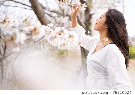 櫻桃女人肖像 76510624