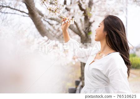 櫻桃女人肖像 76510625