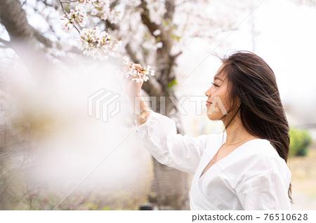 櫻桃女人肖像 76510628