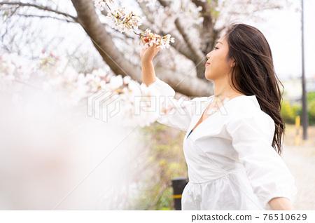 櫻桃女人肖像 76510629