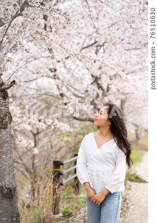 櫻桃女人肖像 76510630