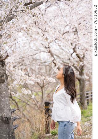 櫻桃女人肖像 76510632