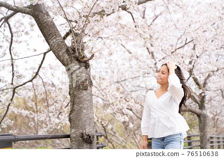 櫻桃女人肖像 76510638