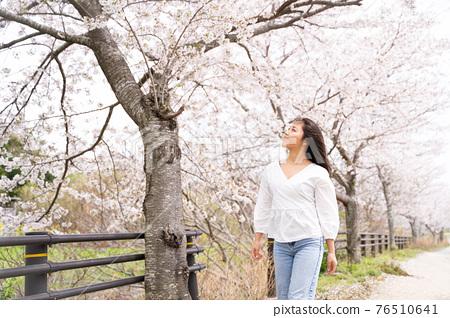 櫻桃女人肖像 76510641