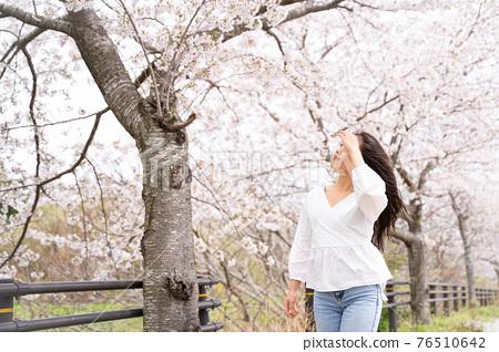 櫻桃女人肖像 76510642